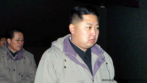 Kim jong un looking at kasgso water procssing factory