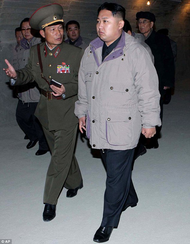 Kim Jong Un is starting to look around